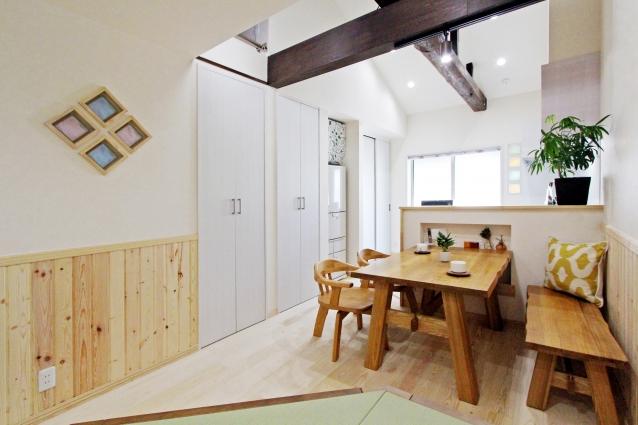 狭小間口のお家をナチュラルで優しい空間にリフォーム!